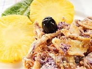 Рецепта Зелева салата с варено пилешко месо и ананас